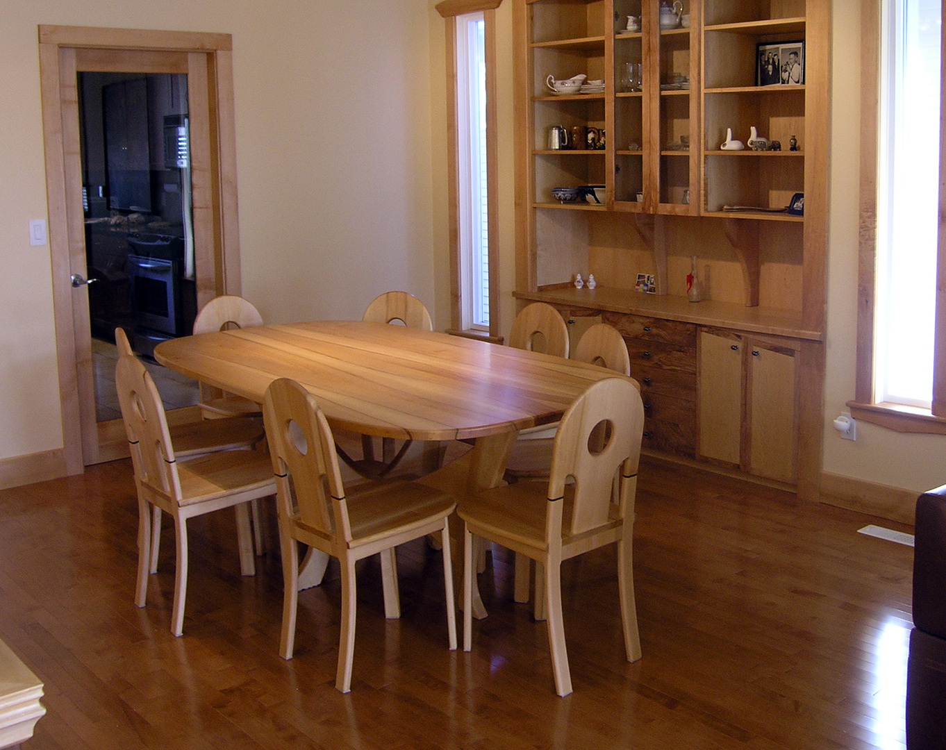 Dining room furniture vancouver bc property details for Furniture vancouver